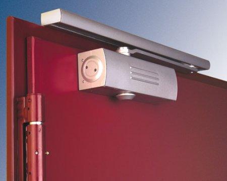 Дверные доводчики и система контроля доступа