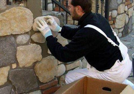 Как монтировать искусственный камень
