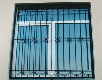 Как монтируются решетки на окна