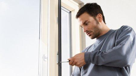 Как ремонтировать пластиковые окна?
