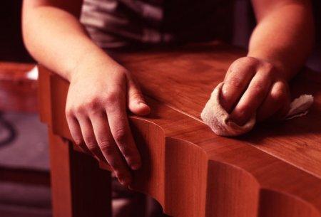 Починка лакированной мебели