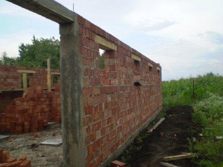 Спасительная стройка: дома, которые гарантируют будущее