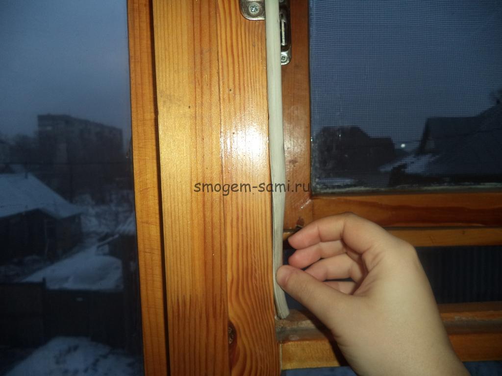 монтаж уплотнителя на деревянное окно