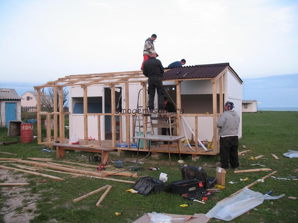 как построить двухкомнатный домик для отдыхающих у моря