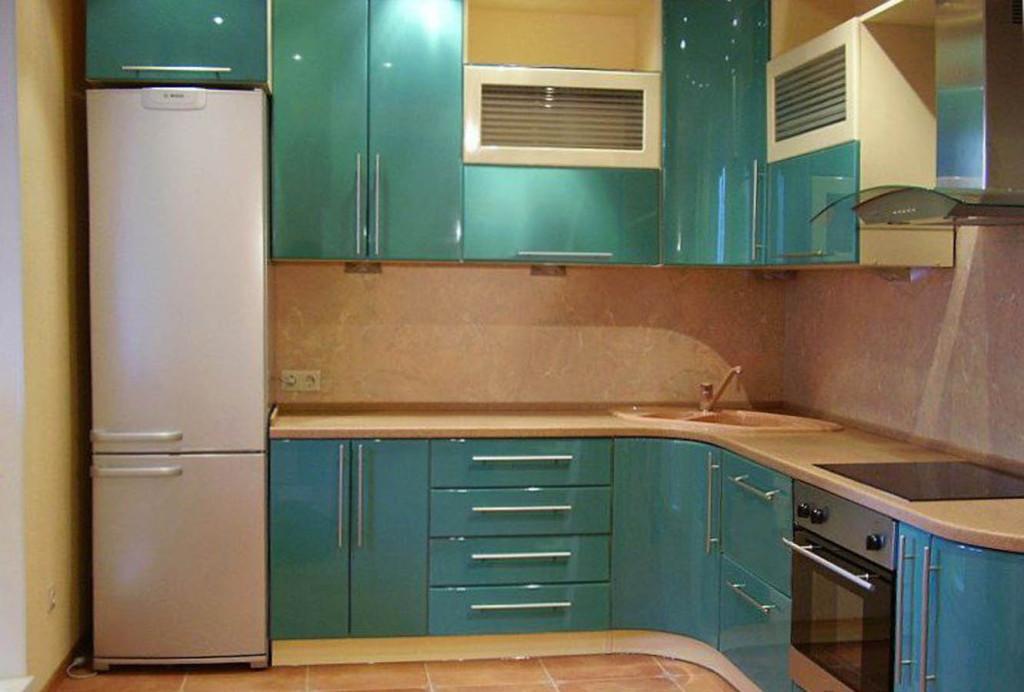 Угловая кухня фото2