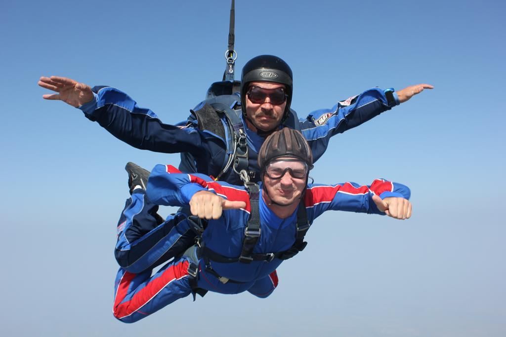 Прыжок с парашютом в тандеме фото2