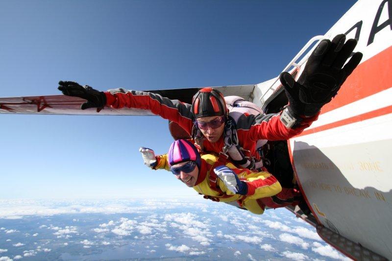 Прыжок с парашютом в тандеме фото3