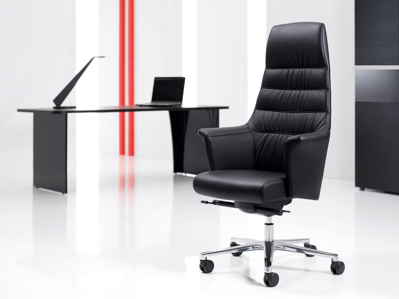 Офисные кресла фото3