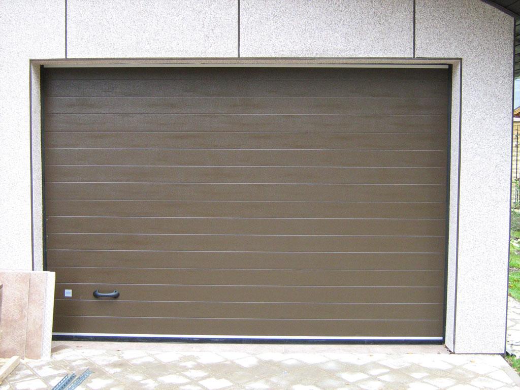 Секционные гаражные автоматические ворота фото2
