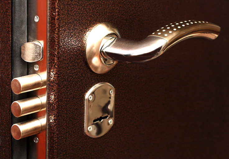 Замена замков в металлической двери фото2